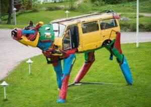Cow Car Sculptures copyright by Miina Äkkijyrkkä